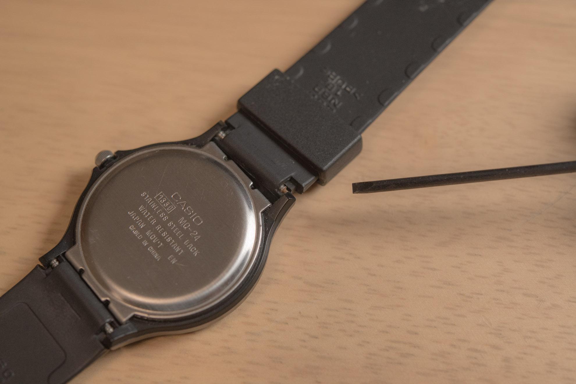 【電池交換すっぞ♪】アナログ針チプカシ(MQ-24)の電池交換と電池の種類とあれこれ。