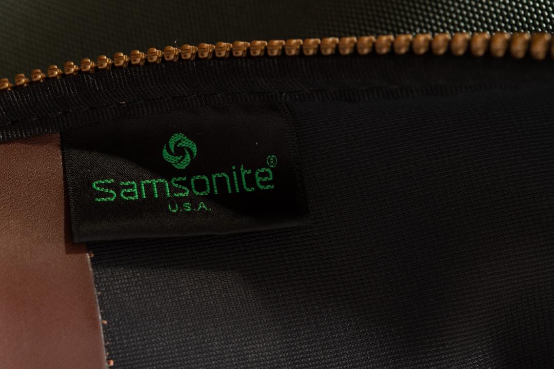 リサイクルショップで買ったサムソナイトの旧ビジネスバッグ・ブリーフケースの姿を晒す