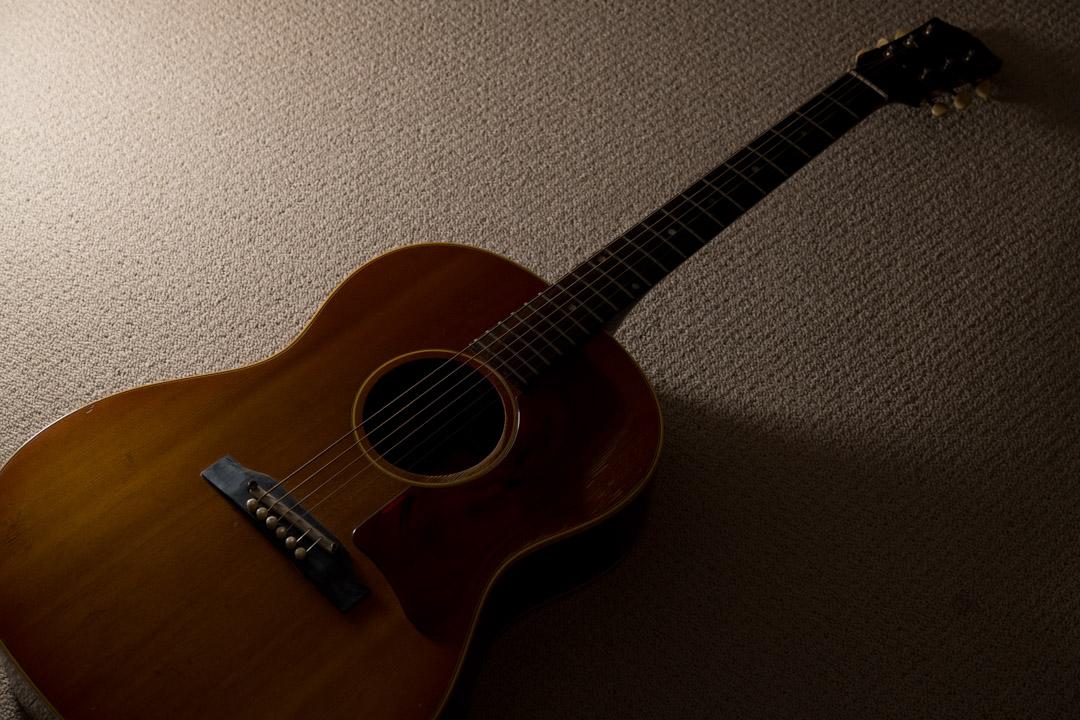 【経年変化を見守る その1】Gibson(ギブソン)B-25 アコースティクギター